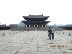 2. Gyokbugong palace (the bigest palace).