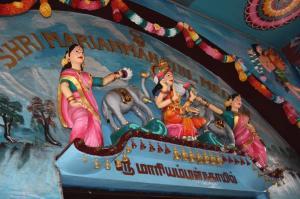 Arsitektur Sri Mariamman Temple hampir serupa di tiga lokasi ini. Sumber foto: Dokumen pribadi